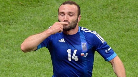 Греция сравнивает счёт в матче с Польшей