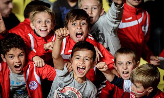 фанаты футбольного клуба Монако