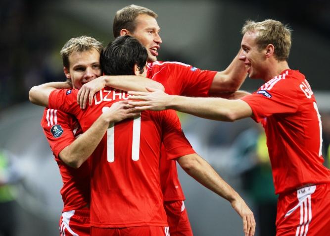 сборная России празднует гол