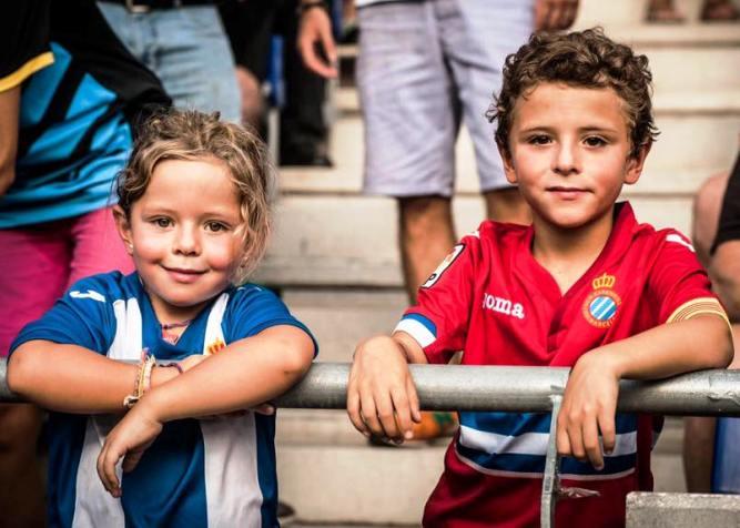 юные фанаты Эспаньола
