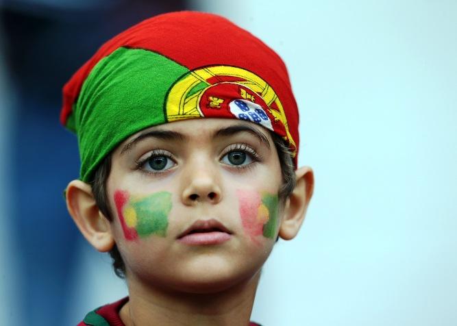юный болельщик сборной Португалии