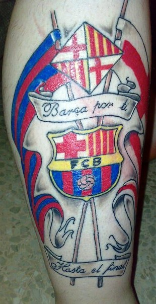 цветная татуировка футбольного клуба барселона